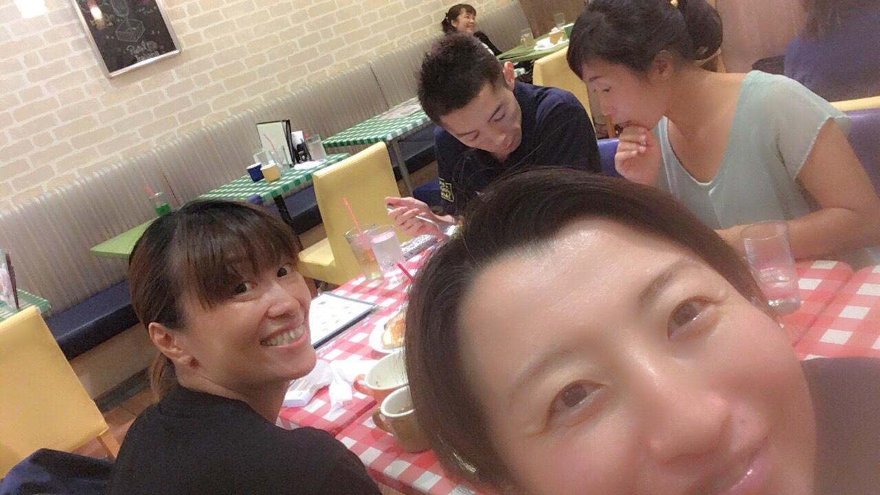 先日、レッスン後に、関東に来ていた、岐阜仲間のいくちゃん・横浜で活動中のあやちゃん・毎度お馴染みのあゆみんとご飯に行って来ました(о´∀`о)