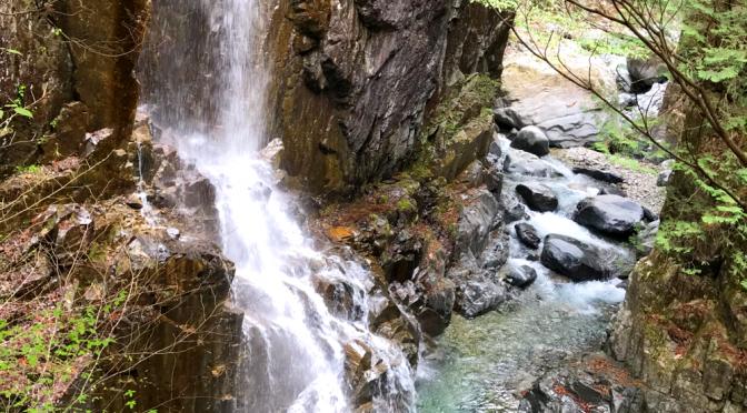 【キャンプ】2日目滝を見てきました